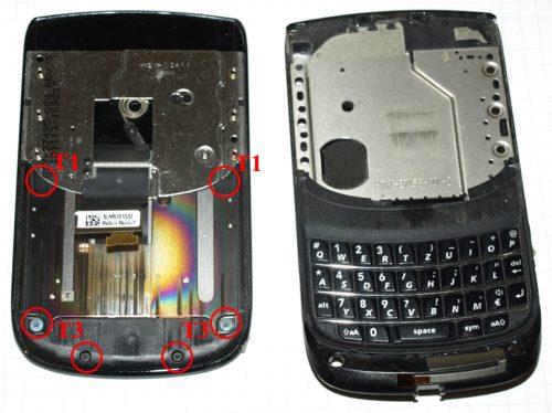 Blackberry 9800 torch - a kijelzőt összefogó T3 és T1-es csavarok