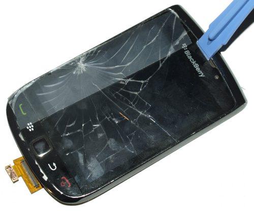 Blackberry 9800 torch - az érintőpanel lefeszegetése